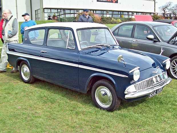 Ford Anglia Super 123E 1963 года