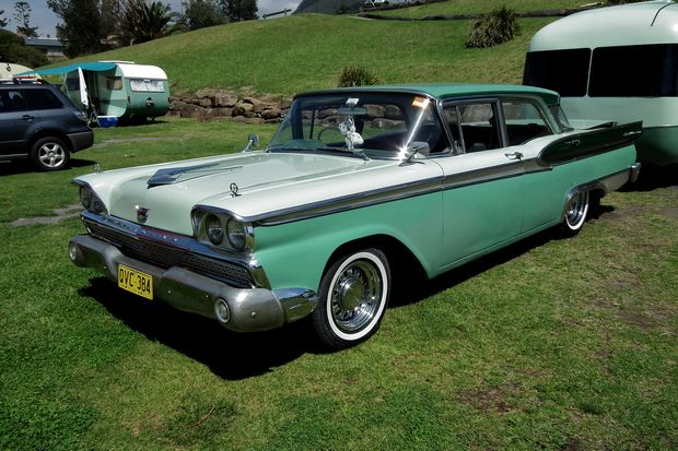 Ford Fairlane 500 sedan 1960 года