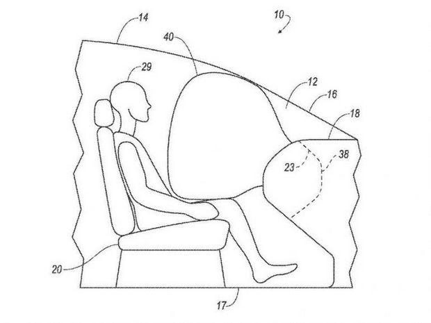 Подушка безопасности в салоне без руля и педалей