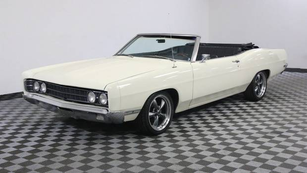 Ford Galaxie 500 convertible white 1969 года