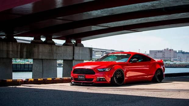 Дорожный просвет тюнингового Ford Mustang