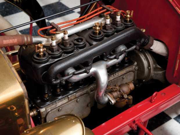 4-цилиндровый двигатель в Ford Model N