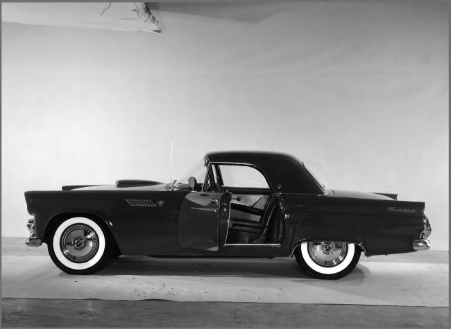 Thunderbird получил облик «истинного спортивного Ford»