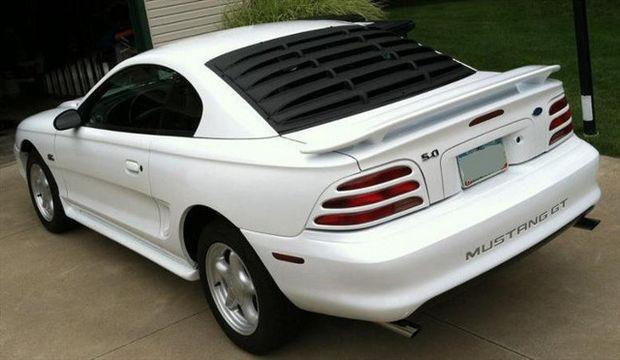Ford Mustang GT четвертого поколения