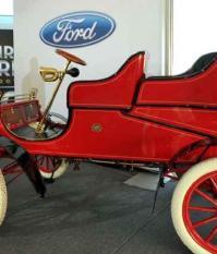 Первый автомобиль марки Ford, модель «А»