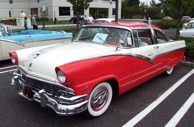 Ford Fairlane 1956 года