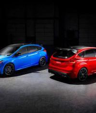 Focus RS Limited-edition только красного или синего цвета