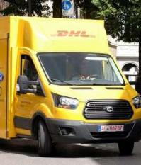 Крупногабаритный почтовый электрический фургон компании DHL и Ford