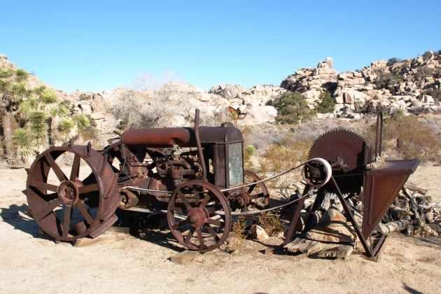 Трактор Фордсон (Fordson) мог выполнять вспомогательные работы