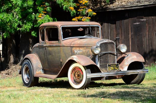 Старый Ford Coupe