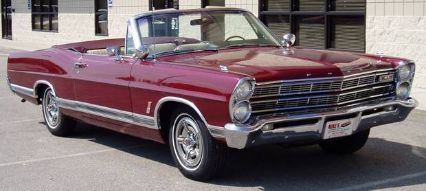 Ford Galaxie Convertible 1967 года.jpg