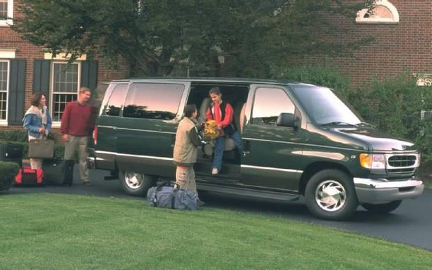 Ford Econoline Traveler, 2001 года