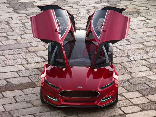 Прототип Ford Capri 2014, открытые двери