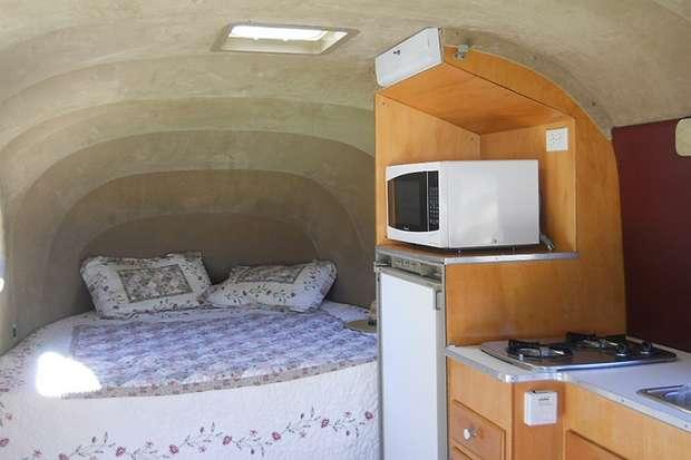 Спальная зона и кухня