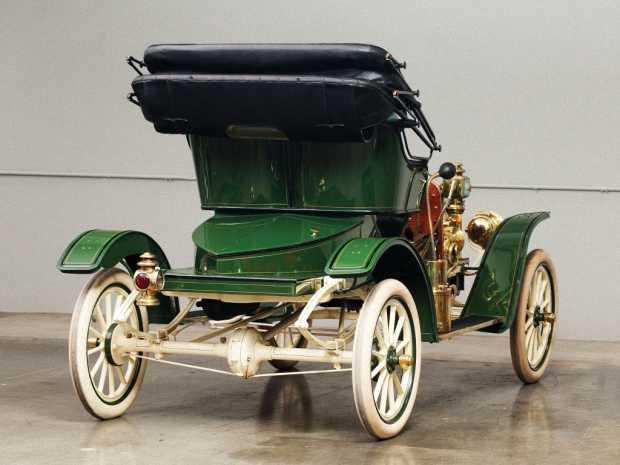 Задняя часть Ford Model R позволяла прятать запасное колесо